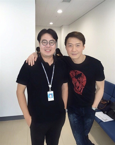 최근 MBC 플러스에서 CJ e&m으로 이직한 권영찬 피디(왼쪽)