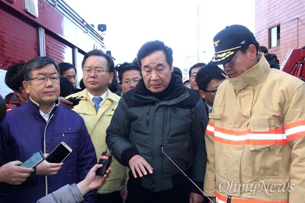 26일 오후 이낙연 국무총리가 밀양 세종병원 화재 현장을 찾았다.