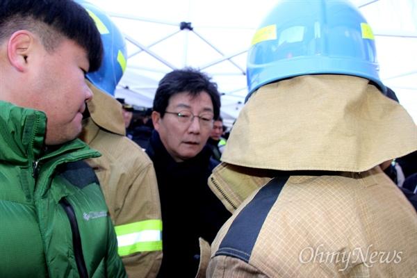 바른정당 유승민 대표가 26일 밀양 세종병원 화재 현장을 찾았다.