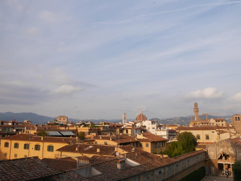 피렌체   '딸 덕에 유럽 다녀왔다'라고 내세울 엄마의 추억을 위해, 그간 못한 효도를 위해, 역사적 사명을 띠고 비행기에 올랐다.