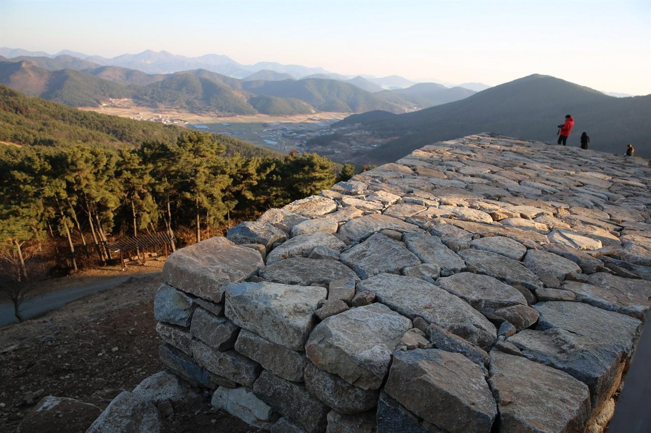 석축 성벽