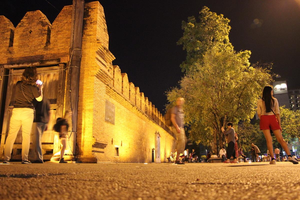 동문인 타패 게이트와 성벽