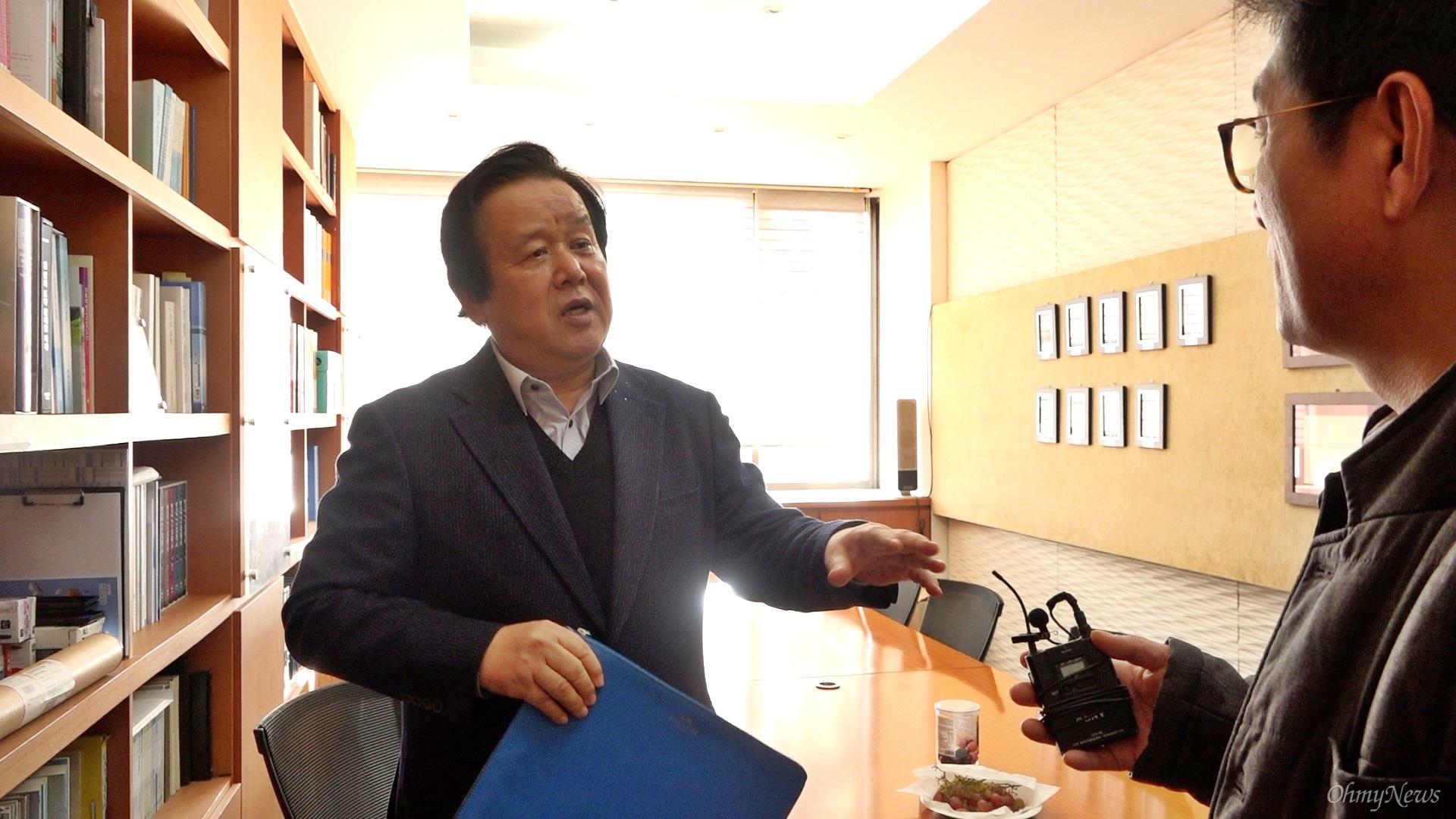 4대강 다큐 제작팀이 심명필 전 4대강 사업 추진본부장(인하대 명예교수)을 만났다.