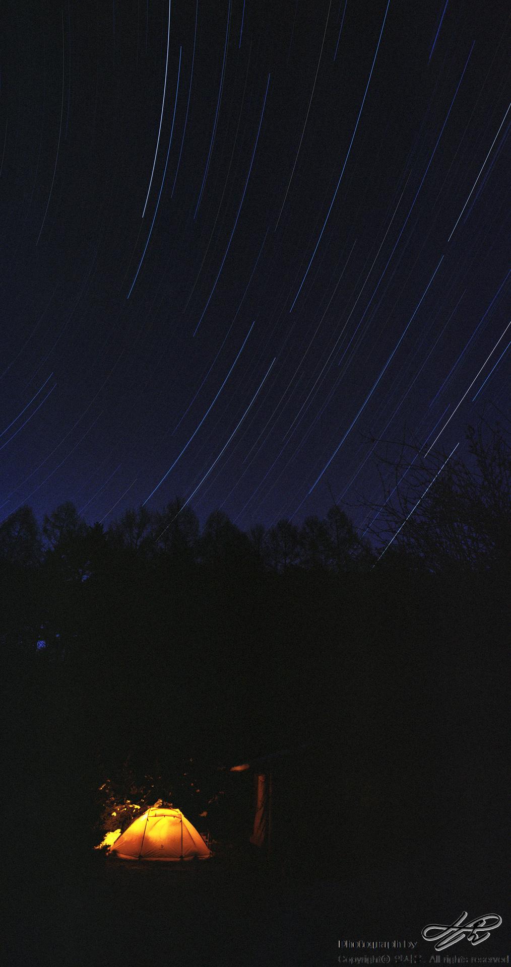 겨울밤 (SW612/portra800)2시간 반 노출. 하늘이 맑고 주변에 불빛이 없어 장노출로 별빛을 담기에 안성맞춤.