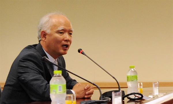 정형식 서울고등법원 부장판사. 사진은 지난 2014년 7월 중앙행정심판회와 서울행정법원과의 간담회 당시 모습.