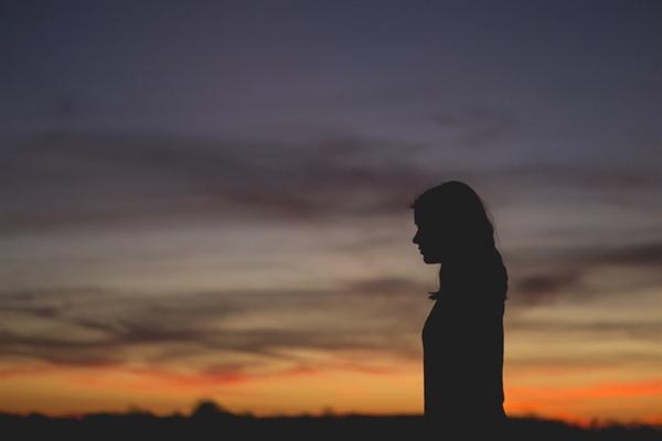 또한 안다. 누군가에게 따스하고 행복한 명절의 기억이 누군가에게는 힘들고 고되며 억울함을 가져오는 기억일 수도 있음을