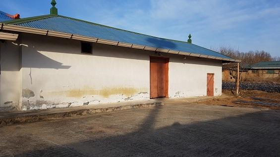 시골마을에는 작고 아담한 빈집들이 많이 남아있다.