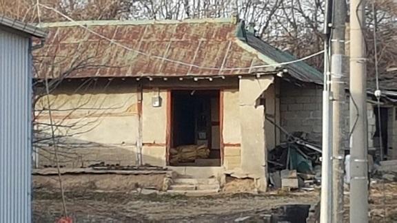 오래되고 낡은 빈집이 을씨년 스럽다.