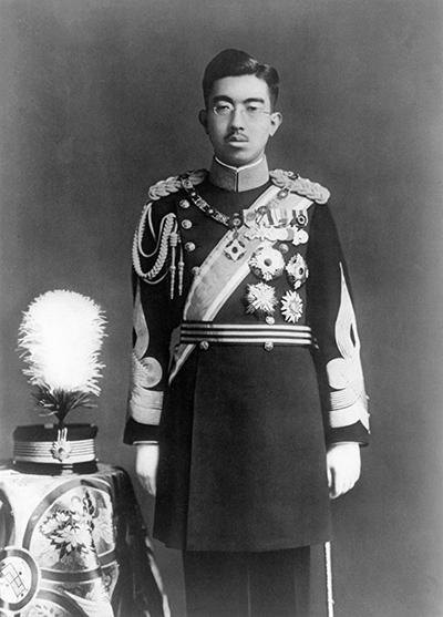 34세 때인 1935년의 히로히토 일왕.