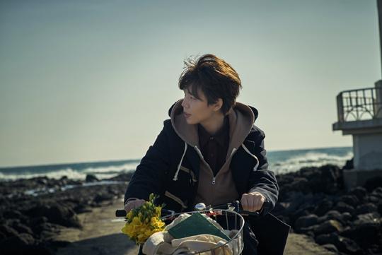 19일 첫번째 정규 음반 < 그리고 봄 >을 발표한 정승환