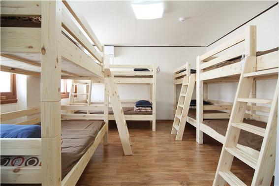 ▲ 공감게스트하우스 객실(8인실) 내부