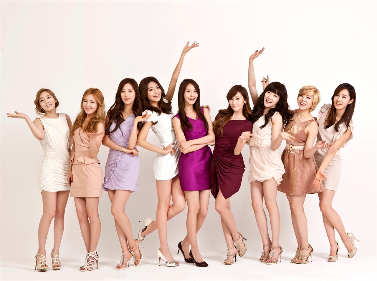 소녀들은 아이돌과 같은 외모를 갖고 싶어한다.