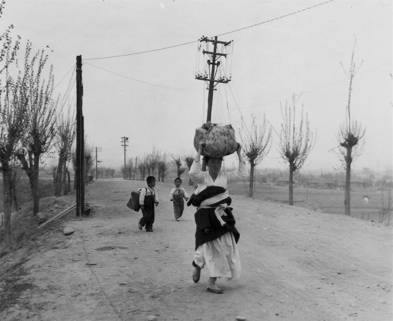 1951. 4. 춘천, 한 가족의 고단한 피란 길
