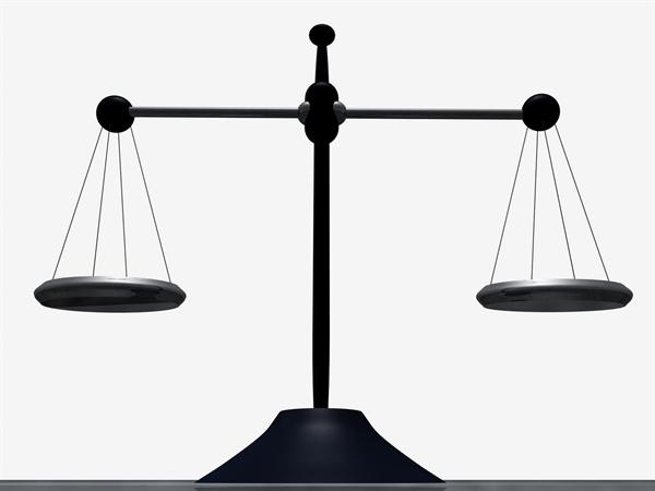 인구 재생산의 관점에서 '여성을 보호해야 한다'고 말하는 현행 헌법은 잘못됐다.