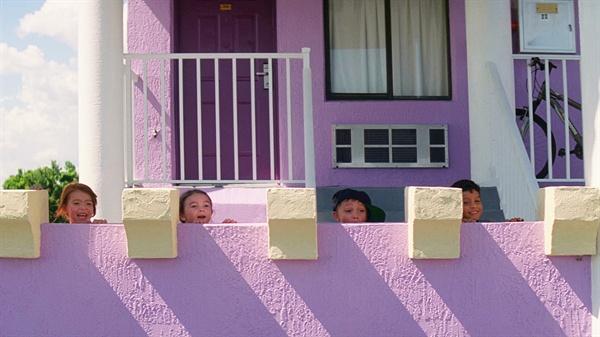 영화 <플로리다 프로젝트>의 한 장면
