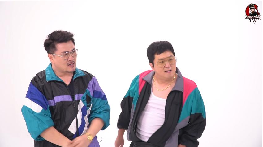 '중2 수학은 이걸로 끝났다' 뮤직비디오 제작 영상의 한 장면.  두 사람이 진행하는 < 주간아이돌 > 녹화 스튜디오에서 단 1시간만에 티저 영상 및 뮤직비디오 본편 촬영을 끝마쳤다.