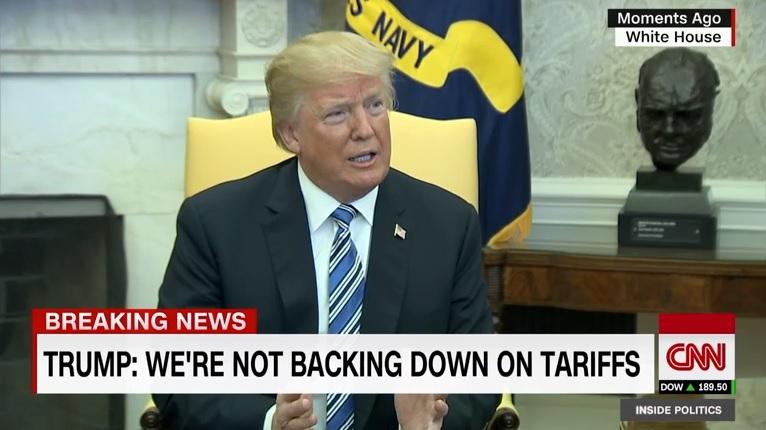 도널드 트럼프 미국 대통령의 수입 철강·알루미늄 고관세 강행을 보도하는 CNN 뉴스 갈무리.