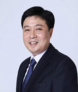 박철수 교수, 홍성군수 출마포기 박철수 교수가 홍성군수 출마를 포기하면서 군수후보로 최선경 군의원을 지지한다는 의사를 밝혔다.