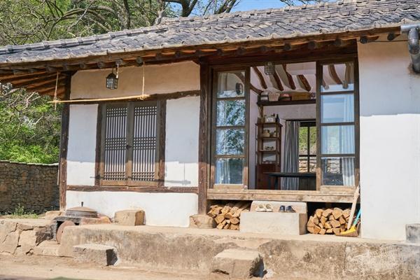 영화 <리틀 포레스트>에 나오는 시골집