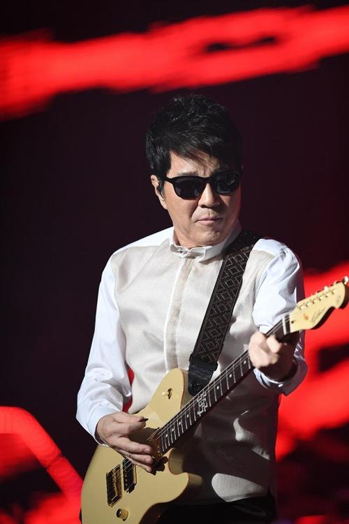 데뷔 50주년 기념 전국 순회 공연을 갖는 조용필