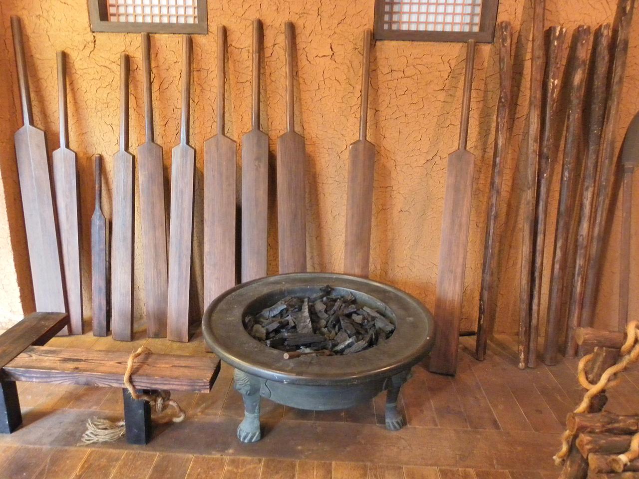 조선시대 형벌 도구. 서울시 합정동의 절두산순교성지에서 찍은 사진.