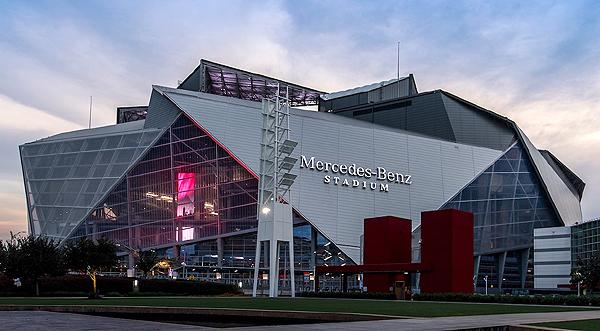 미국 애틀랜타에 만들어진 메르세데스 벤츠 스타디움. 1조 8000억 원의 예산이 소요됐다.