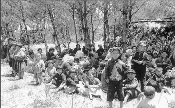 중산간지대로 대피한 주민들(1948. 5.)