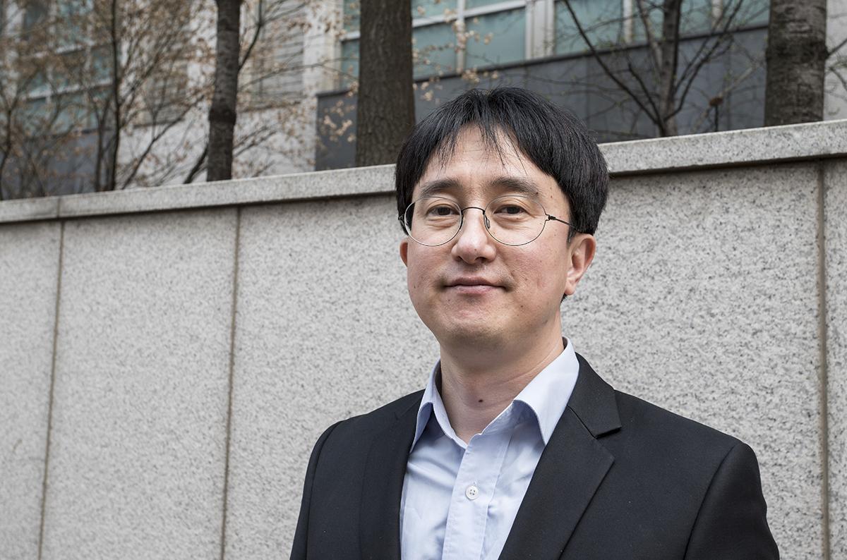 김민규씨는 효성중공업에서 15년 동안 변압기 영업을 해왔다. 김씨는 입찰 과정에서 벌어졌던 담합행위에 문제를 제기했다가 해고 당했다.
