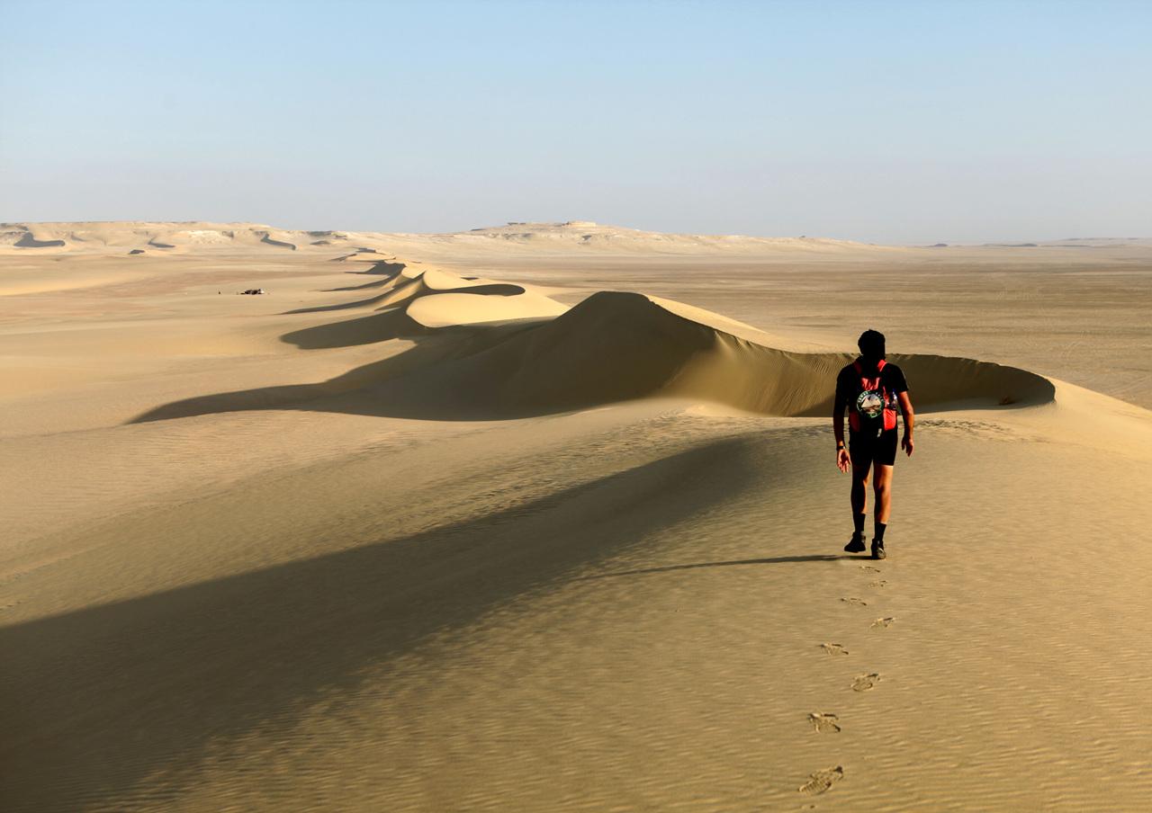 파란 하늘과 황금 모래길... 내가 간 길이 길이 되었다.