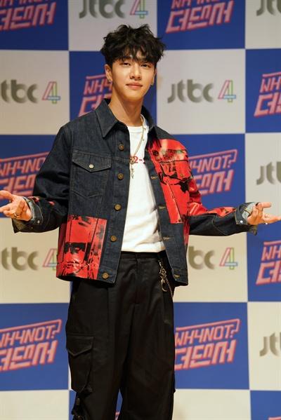WHYNOT 더 댄서 JTBC 새 예능프로그램 < WHYNOT 더 댄서 >의 제작발표회가 2일 오전 서울 상암동 JTBC 사옥에서 열렸다. 이날 제작발표회에는 슈퍼주니어의 은혁, 하이라이트의 기광, 샤이니의 태민, 김학준 CP가 참석했다.