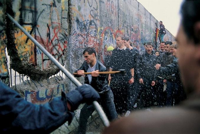 베를린장벽 붕괴.