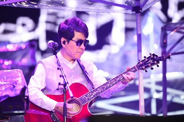 조용필 12일 오후 서울 송파구 잠실종합운동장 올림픽주경기장에서 조용필 50주년 투어 < Thanks to you > 서울 콘서트가 열렸다.