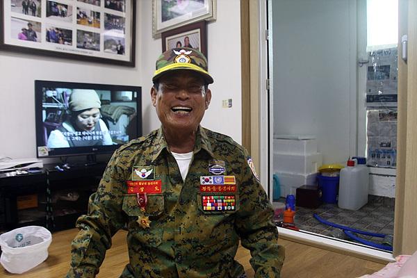 월남전에 1기로 참전한 김성도씨가 보초서던 중 수류탄으로 9명의 적을 사살해 화랑무공훈장을 탔다고 한다.