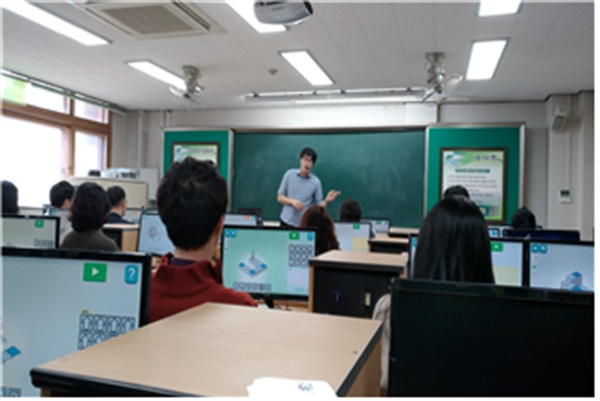 안양 호계초등학교(교장 김봉수) '소프트웨어활용 교육' 모습.