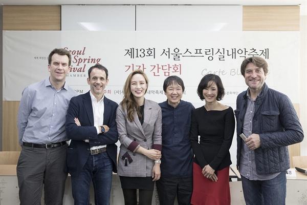 2018 제13회 서울스프링실내악축제 오는 15일부터 27일까지 열리는 2018 제13회 서울스프링실내악축제(SSF)를 앞두고 14일 오후 서울 인사동의 한 호텔에서 기자간담회가 열렸다.