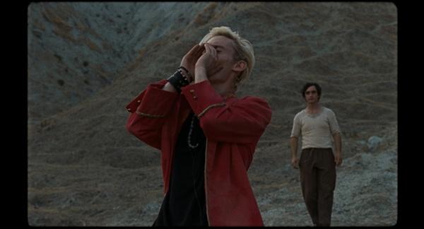 영화 <해피 애즈 라짜로>의 한 장면.
