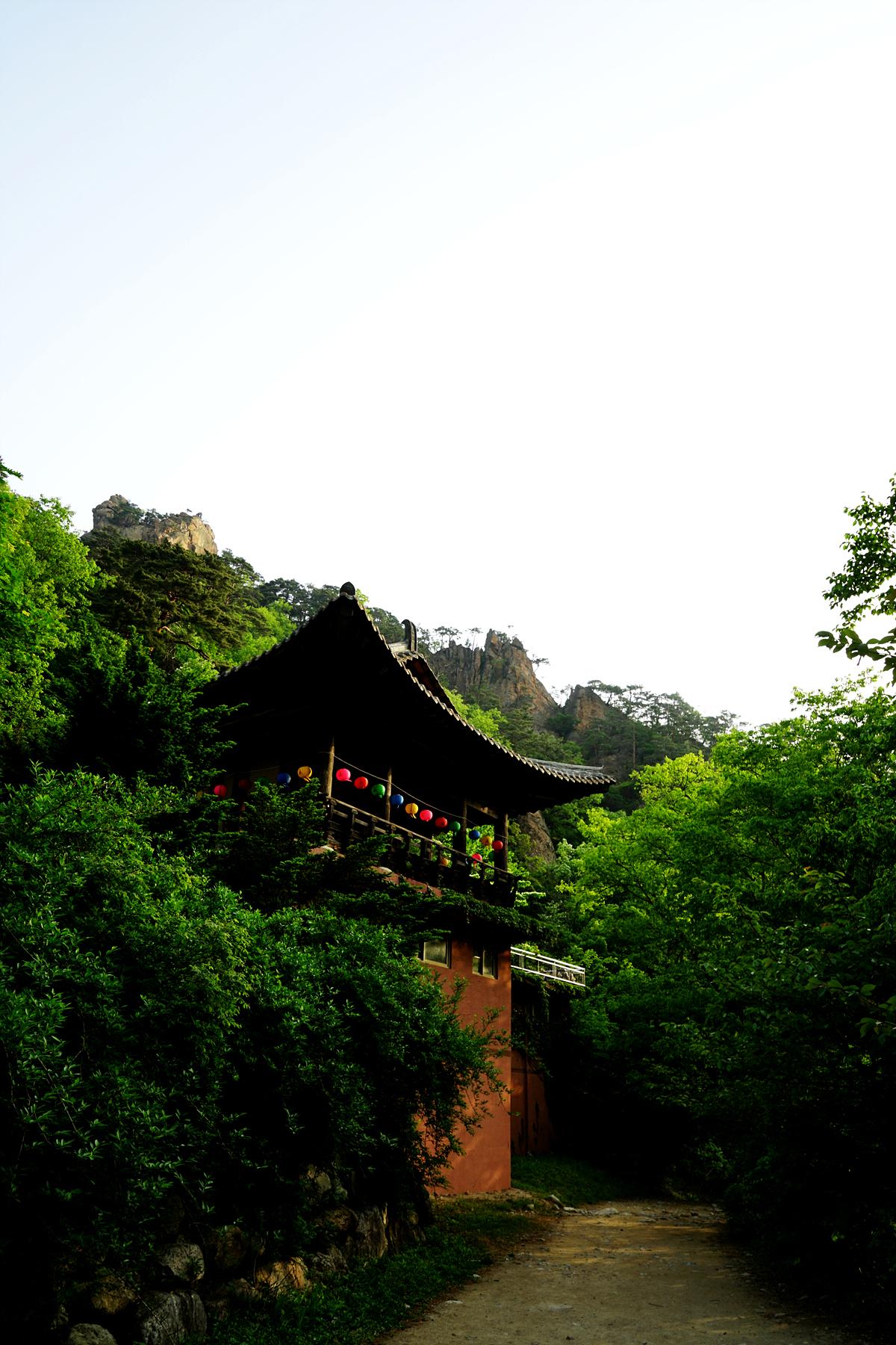 오색 성국사의 아침 풍경