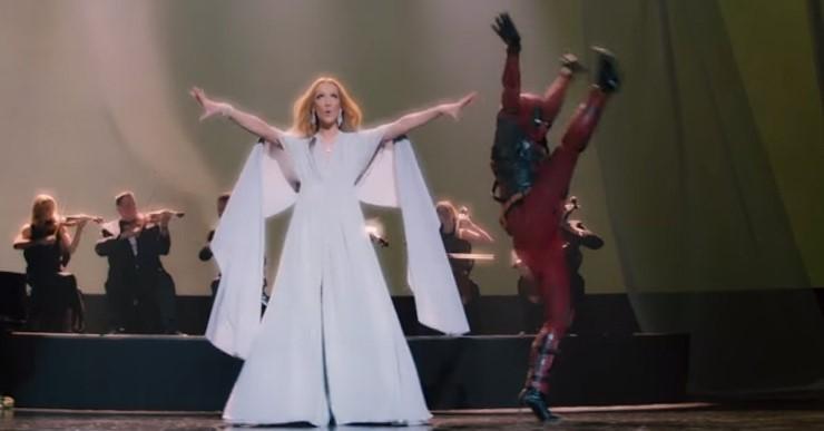 셀린 디온의 'Ashes' 뮤직비디오 중 한 장면.  데드풀이 등장해 빼어난'(?) 춤실력을 과시한다. (화면 캡쳐)