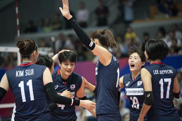 한국 여자배구는 도미니카전 승리를 통해 벨기에전 완패의 충격에서 어느 정도 벗어날 수 있게 됐다.