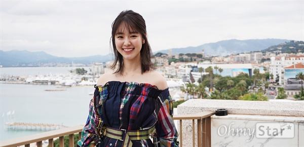 배우 카라타 에리카.
