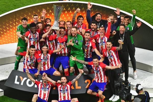 17일 오전 3시 45분(한국시간) 프랑스 리옹에 있는 스타드 드 리옹에서 벌어진 UEFA 유로파리그 결승전에서 아틀레티코 마드리드가 올림피크 마르세유를 상대로 3-0으로 이겨 대회 통산 세 번째 우승의 위업을 이뤘다.