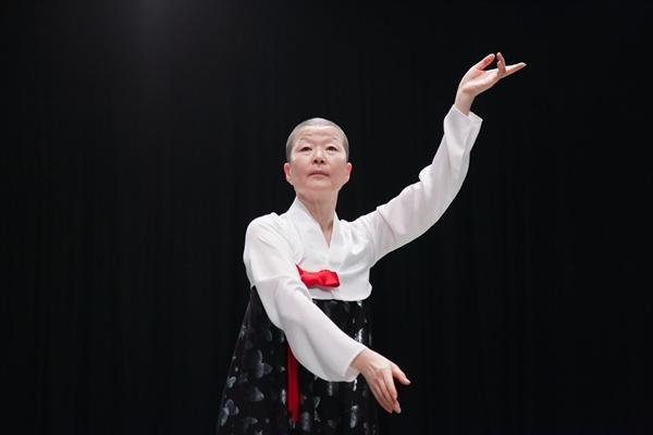 안은미 안은미컴퍼니 페이스북에 실린 <안은미의 북한춤>관련 사진