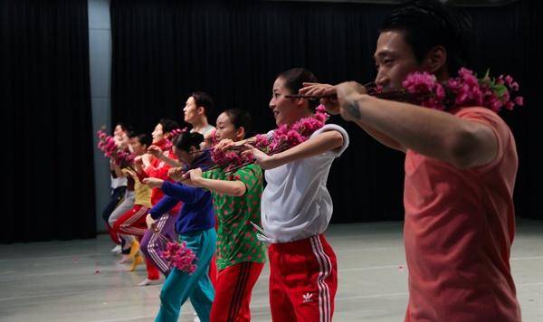 안은미의 북한춤 안은미컴퍼니 페이스북에 실린 <안은미의 북한춤>관련 사진