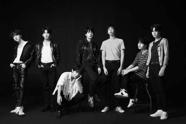 새 음반 'LOVE YOURSELF 轉 'Tear'를 발표한 방탄소년단