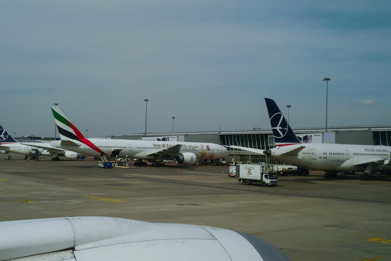 폴란드 바르샤바 쇼팽국제공항 모습 인천-트빌리시 경유지인 바르샤바 공항