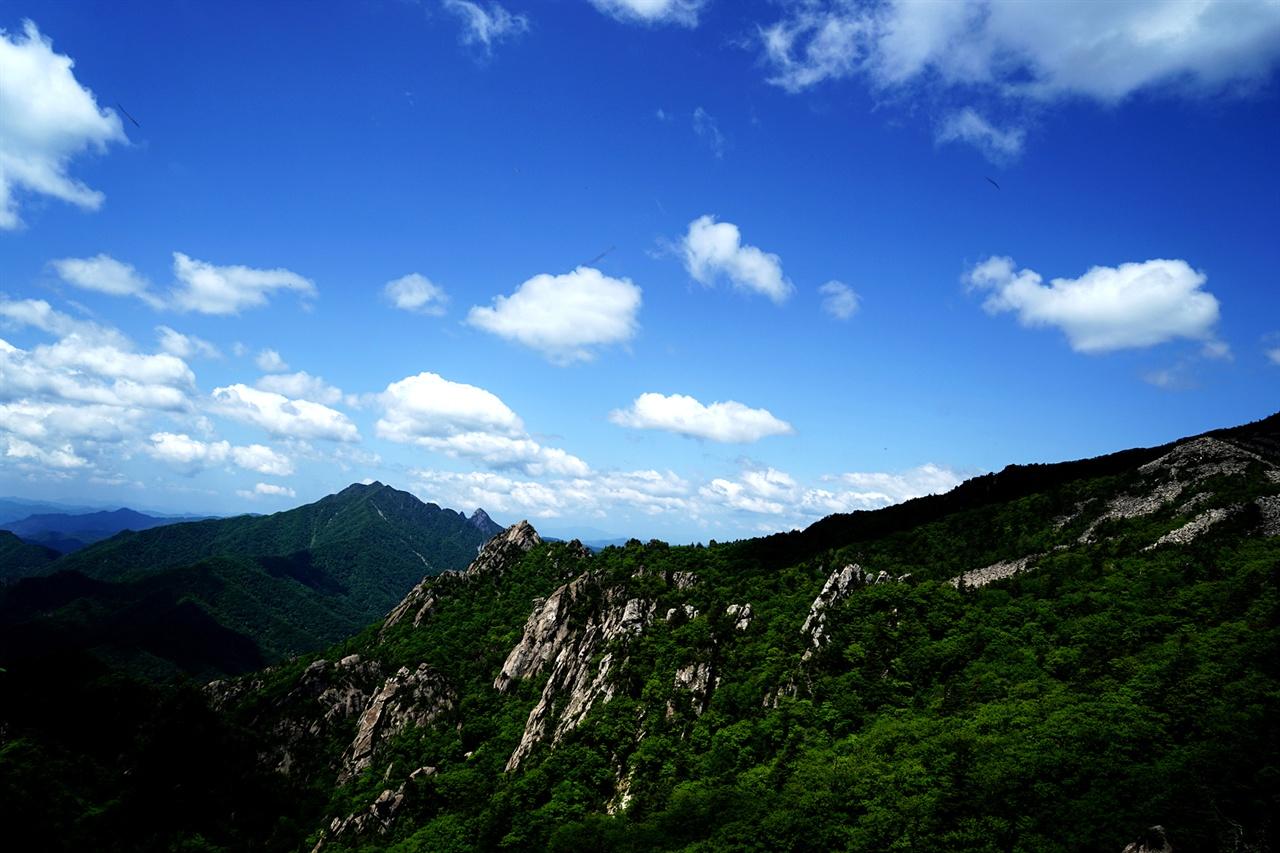 서북능선에서 바라본 설악산 풍경
