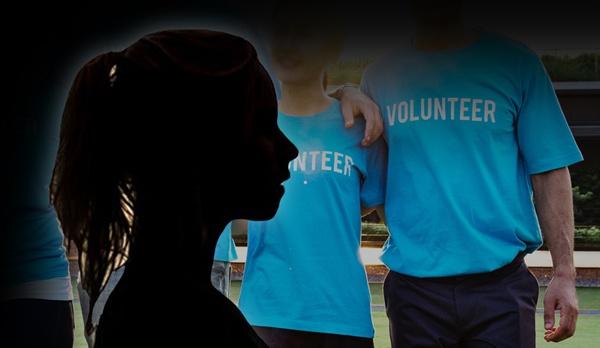 국내 한 NGO단체의 전직 대표가 여성 NGO 활동가들과 자원 봉사자들을 성추행했다는 증언이 나왔다.