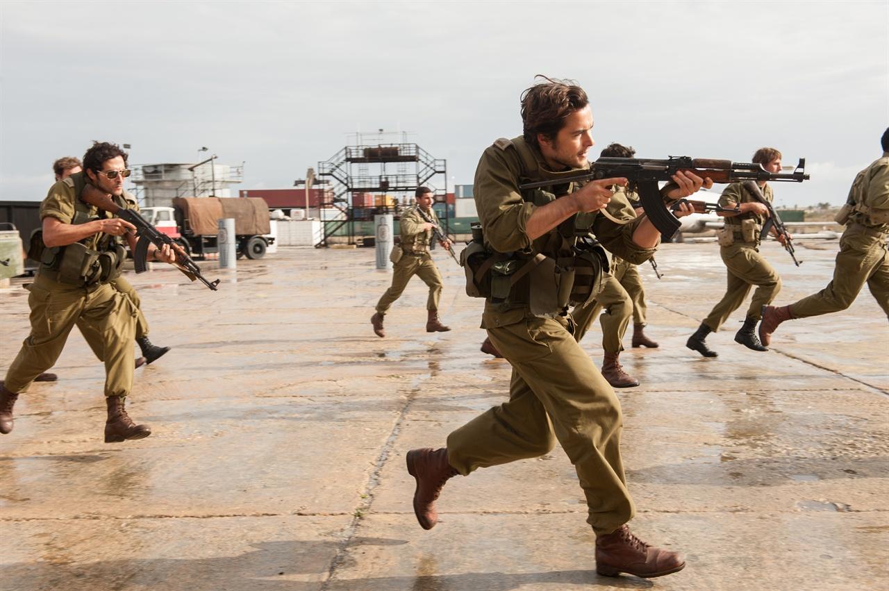 영화 <엔테베 작전>의 한 장면. 이스라엘 특수부대의 작전 장면