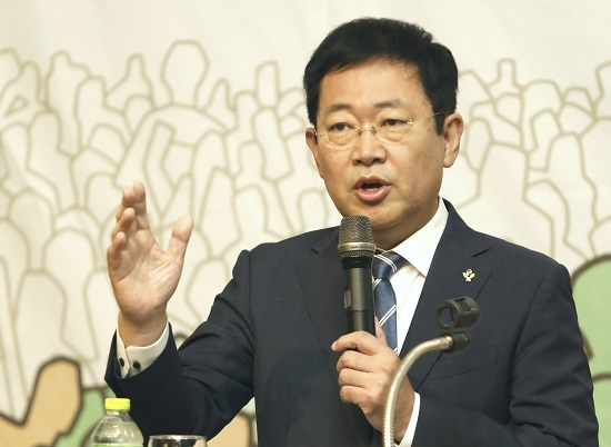 박남춘 더불어민주당 박남춘 인천시장 후보가 자신의 정견을 발표하고 있다.