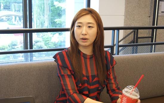 이승주 뉴시스 기자가 지난달 21일 서울 여의도의 한 카페에서 <단비뉴스>와 인터뷰하고 있다.